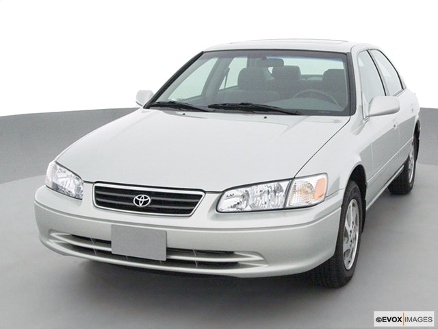 2001 Toyota Camry Review