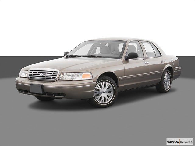 2005 Ford Crown Victoria Review