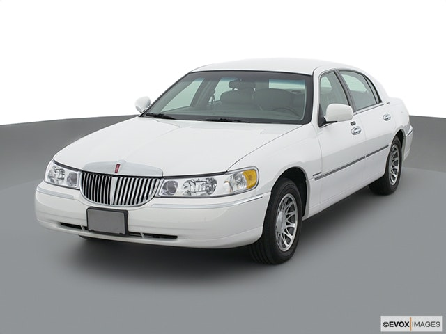 2001 Lincoln Town Car Review Carfax Vehicle Research