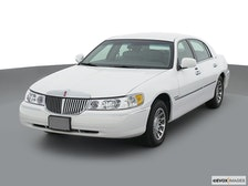 2002 Lincoln Town Car Review