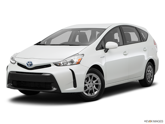 2015 Toyota Prius v photo