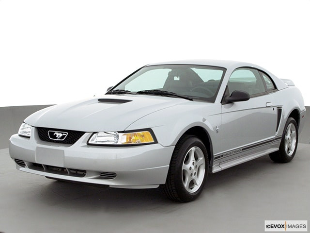 2000 Ford Mustang Review