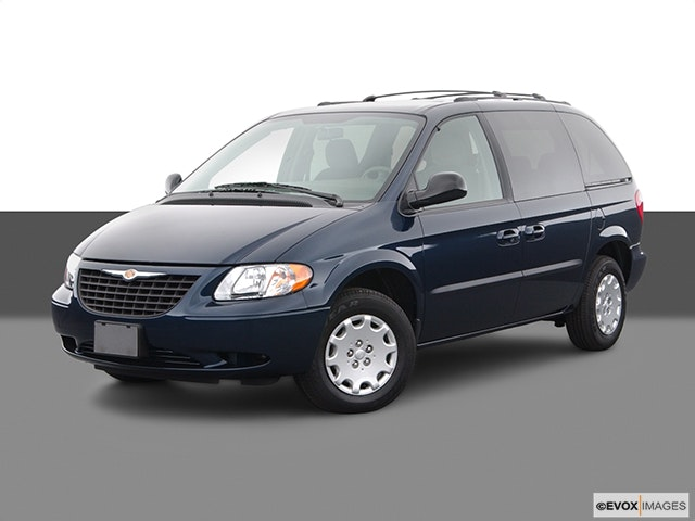 2005 Chrysler Town and Country Review