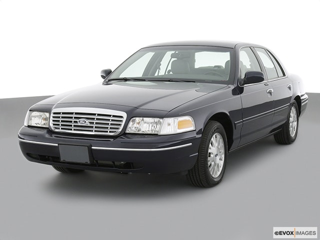 2004 Ford Crown Victoria Review