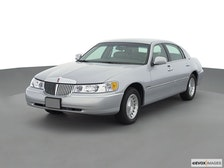 2000 Lincoln Town Car Review