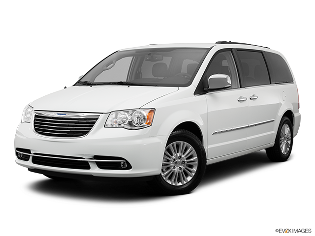 2013 Chrysler Town & Country Review