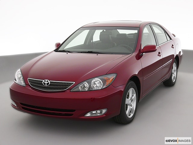 2004 Toyota Camry Review